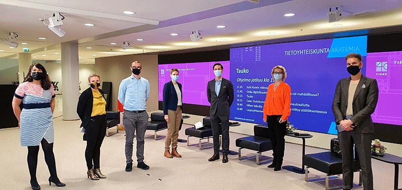 Panelistit_teknologia- ja datalinjaukset
